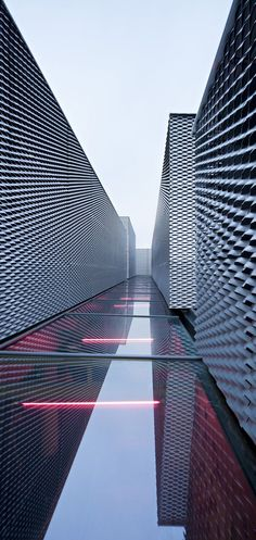Architecture we like / Facade / metal / Waves / Water / Reflection / at INDSTR