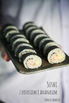 Sushi maki z łososiem i ananasem Sushi, Foods To Eat, Food And Drink, Ethnic Recipes