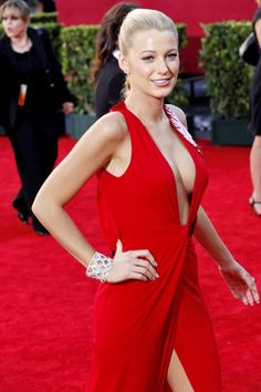red dress : blakelively