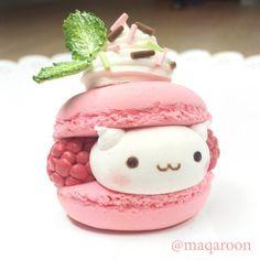 DIY Kawaii Paper Clay Raspberry Cat Macaroon //intense sobbing it's too… Cute Desserts, Delicious Desserts, Dessert Recipes, Yummy Food, Bolo Tumblr, Fimo Kawaii, Kawaii Crafts, Kawaii Diy, Kawaii Room