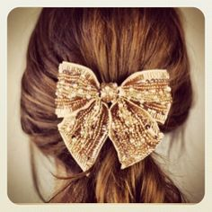 It took me forever to quit the 'Hair bow' habit at the end of the '80s. Now they're back?!
