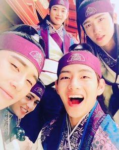 """'Hwarang' Behind story told by Ban-ryu, Do Ji-han (ft. Bromance) """"Hwarang"""" Background Story by Ban-ryu, Do Ji-han (ft. Bromance) @ HanCinema :: The Korean Movie and Drama Database Asian Actors, Korean Actors, Korean Dramas, Do Jihan, V Hwarang, Hwarang Taehyung, K Pop, Ban Ryu, Park Hyung Shik"""