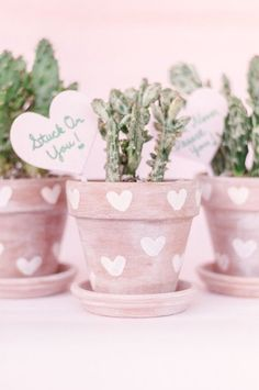A creative and cute Valentine's Day gift idea or a just a fun DIY home decor touch all year round, these DIY heart print, whitewashed terra cotta cactus pots are the easiest DIY project you'll ever tackle with a super fun payoff you'll love! Painted Plant Pots, Painted Flower Pots, Flower Pot Design, Cactus Pot, Cute Valentines Day Gifts, Succulent Gifts, Diy Planters, Succulent Planters, Valentine's Day Diy
