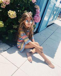Teen Girl Poses, Cute Girl Poses, Bikinis For Teens, Kids Swimwear, Beautiful Little Girls, Cute Little Girls, Preteen Girls Fashion, Girl Fashion, Cute Girl Outfits