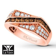 Le Vian® Men's Band in Strawberry Gold with 1-1/3 ct tw Chocolate Diamonds® and Vanilla Diamonds®.