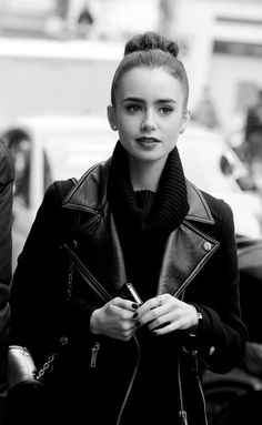 Lily Collins reminds me of Audrey Hepburn when she wears her hair like this... So gorgeous