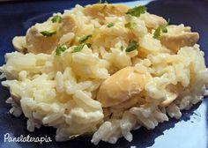 A Rê pediu p/ eu fazer essa receita e eu adorei a sugestão. Esse arroz é uma delícia e eu simplesmente havia apagado sua existênciada minha memória gastronômica. É tão fácil de fazer e acompa…