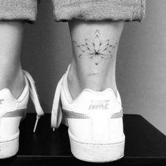These are the most beautiful tattoos for the ankle - tatoo - .- Dies sind die schönsten Tattoos für den Knöchel – Tatoo – These are the most beautiful tattoos for the ankle – tatoo – - Palm Tattoos, Top Tattoos, Line Tattoos, Sexy Tattoos, Ankle Tattoos, Tatoos, Tattoo Bein, Get A Tattoo, Tiny Tattoos For Girls