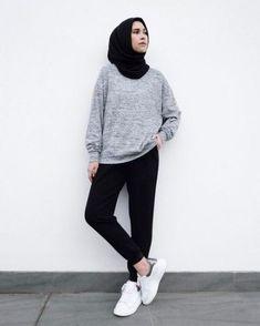New style hijab casual kemeja Ideas Hijab Casual, Ootd Hijab, Hijab Chic, Casual Outfits, Fashion Outfits, Casual Pants, Classy Outfits, Simple Hijab, Casual Ootd