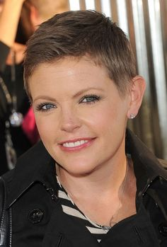 Natalie Maines pulls off a close-cropped Pixie Cut that highlights her face shape.
