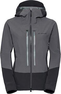 Berge lieben heißt, Berge schützen. Die Shuksan 3L Jacket richtet sich an grüne Pioniere, an Alpinistinnen und Skitourengeherinnen, die einen wirksamen und konsequent nachhaltigen Wetterschutz für die Berge suchen. Die Kapuzenjacke ist natürlich wasserdicht, winddicht und extrem atmungsaktiv durch das innovative und umweltfreundliche 3-Lagen Material. Der robuste, elastische Oberstoff besteht zu 95 % aus recyceltem Polyamid. Die PTFE-freie Ceplex Green Membran basiert auf recyceltem… Workwear, Hooded Jacket, Material, Athletic, Hoodies, Sweaters, Jackets, Fashion, Mountains