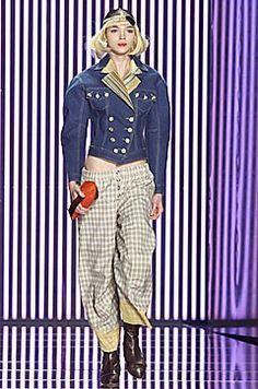 John Galliano Fall 2001 Ready-to-Wear Fashion Show - John Galliano, Mariacarla Boscono (Viva)