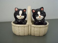 kitty cat salt & pepper shaker set.