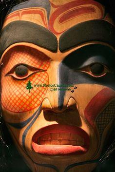 bill_reid_museum_of_anthropology-_british_columbia_canada_mask