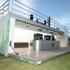 creative use of container - drop ship store Shipping Container Buildings, Shipping Container Design, Converted Shipping Containers, Container House Design, Container Cafe, Cargo Container, Container Houses, Container Architecture, Eco Architecture