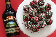 Baileys truffles - 4 ingredients and minimal effort - my kinda candy! shown here done up for xmas, but I could see these easily converted to other special occasions