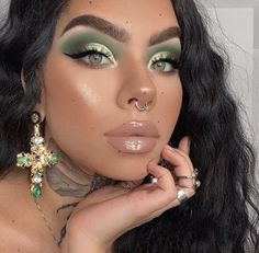Whenever you do eye makeup, make your eyes look brighter. Your eye make-up should make your eyes stick out amongst the other functions of your face. Glam Makeup, Flawless Makeup, Cute Makeup, Gorgeous Makeup, Pretty Makeup, Skin Makeup, Makeup Geek, Makeup Art, White Eye Makeup