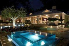 Aménagement terrasse avec une piscine en verre: idée géniale!