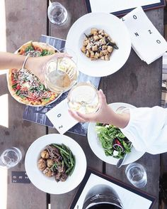 Signs You're Addicted To Brunch are all too real. Find out if you are addicted to brunch. These brunch signs are for brunch lovers only> Brunch Spots, Brunch Places, Think Food, Intuitive Eating, No Carb Diets, Fad Diets, Healthy Eating, Clean Eating, Eating Vegan