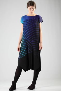 issey-miyake-fw-2016-multicolor-blue-dress-1