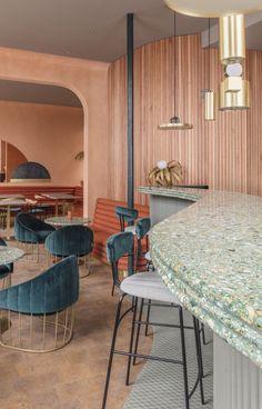 IDEAT vous fait visiter en avant-première le restaurant londonien Omars' Place, qui s'annonce comme une nouvelle étape incontournable dans la capitale britannique pour les fans de déco…
