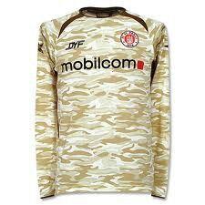 Remeras raras 2 Long Sleeve, Sleeves, Mens Tops, T Shirt, Fashion, Football Shirts, Football Team, Supreme T Shirt, Moda