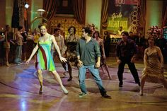 Dancing to 'Thriller'.. 13 Going on 30 (2004) Movie Stills - Jennifer Garner (Jenna Rink) and Mark Ruffalo (Matt Flamhaff) #JenniferGarner #MarkRuffalo #13Goingon30