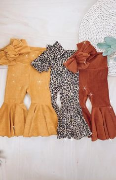 Sewing Baby Clothes, Baby Clothes Patterns, Baby Sewing, Diy Clothes, Toddler Girl Outfits, Baby Outfits, Kids Outfits, Fashion Sewing, Kids Fashion