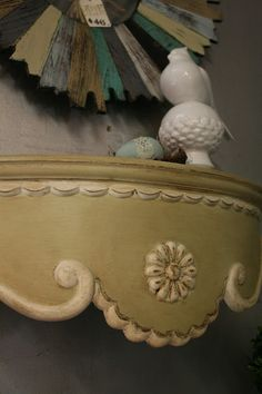 Reloved Rubbish: Syroco shelf painted Versailles