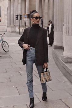 Burberry Outfit, Burberry Purse, Burberry Handbags, Dior Handbags, Chloe Handbags, Fashion Handbags, Look Fashion, Womens Fashion, Fashion Fall