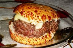O melhor de tudo: posso fazer do tamanho que eu quiser! - Aprenda a preparar essa maravilhosa receita de Hambúrguer caseiro do Betão