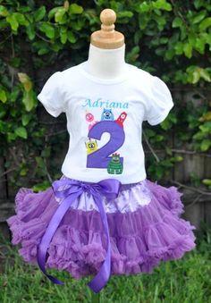 Yo Gabba Gabba Birthday Pettiskirt Set  Sooo cute! You could make Tessa a tutu and buy the shirt or make the shirt? =)