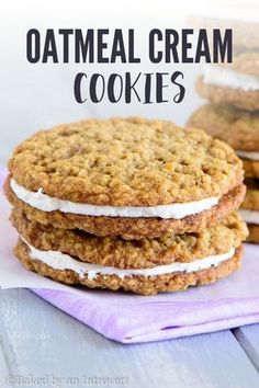 """These Super Easy Oatmeal Cream Pies are soft oatmeal cookies with creamy centers. They are similar to the well-known """"Little Debbie"""", only better because they are homemade. Oatmeal Cream Cookies, Chocolate Chip Shortbread Cookies, Toffee Cookies, Cookies And Cream, Pretzel Cookies, Salted Pretzel, Cheesecake Cookies, Blueberry Cheesecake, Quick Cookies"""