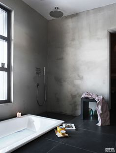 I would love to American-ize this Scandinavian Deko bathroom a little, but love the simplicity