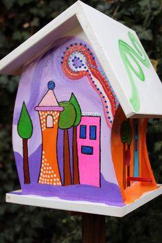Nistkästen & Vogelhäuser - Vogelvilla, Vogelhaus, Nistkasten mit Futterstelle - ein Designerstück von Vogel-Tom bei DaWanda