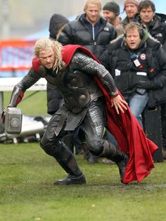The Dark World Thor 2 | Thor: The Dark World – Nuevas imágenes detrás de cámaras de Chris ...