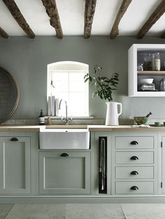 Modern Kitchen Interior We're Calling It: The Top Kitchen Paint Colors for 2018 - If you love both color and kitchen design, you're sure to find something to excite you here. Sage Green Kitchen, Green Kitchen Cabinets, Kitchen Cabinet Colors, Painting Kitchen Cabinets, Kitchen Paint, Kitchen Colors, Green Kitchen Walls, Kitchen Black, Kitchen Counters