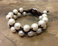Perlas de agua dulce y gargantilla de cuero Hannah por AdiDesigns