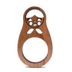 Este é um anel cortado à laser, mas tbm pode ser uma idéia pra decoração de aniversário. Com o anel como lembrança...