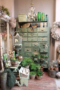 vintage love and green Green Painted Furniture, Farmhouse Style, Farmhouse Decor, Dresser, Lowboy, Chest Of Drawers, Dresser Top, Cottages, Farm House Styles