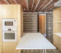 Casa Concordia a Barcellona riporta in auge corridoi e partizioni
