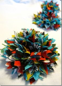 Collection of tutorials on making bows, fabric flowers and headbands (and more!)