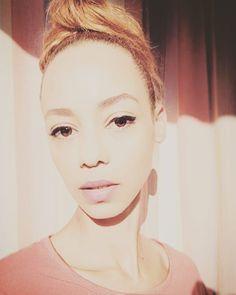 #me#portrait#face Portrait, Hoop Earrings, Instagram, Face, Fashion, Moda, Headshot Photography, Fashion Styles, Portrait Paintings