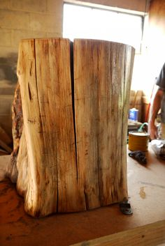 DIY tree stump table... really thorough directions