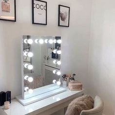 Lights Around Mirror, Makeup Mirror With Lights, Make Up Lighting Mirror, Desk With Mirror, Mirror With Light Bulbs, Makeup Vanity Lighting, Ikea Mirror, Makeup Vanity Mirror, Vanity Mirrors