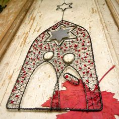 Metal Art Decor, Wire Ornaments, Holy Night, Stained Glass Patterns, Wire Art, Christmas Design, Holiday Crafts, Metals, Nativity