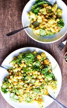Chickpea, Mango and Curried Cauliflower Salad: a refreshing and delicious appetizer or dinner recipe! | www.cookingandbeer.com