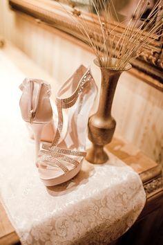 Resultados de la Búsqueda de imágenes de Google de http://munaluchibridal.com/wp-content/gallery/real-wedding-erica/african-american-bride-erica-munaluchi01.jpg