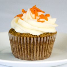 Receta Cupcake de zanahoria Cupcake Recipes, Baking Recipes, Fondant Cupcakes, Sweets Cake, Muffins, Drip Cakes, Mini Cakes, Carrot Cake, Creative Food