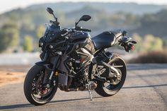 2017 Yamaha FZ-10 Naked Bike Road Test Review | Cycle World